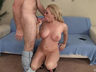 Big-chested blonde Bambi Diamond gets their way cunt stuffed full